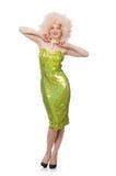 A mulher que veste a peruca justa encaracolado isolada no branco Fotografia de Stock Royalty Free