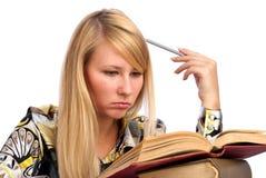 Mulher séria nova do estudante imagens de stock royalty free