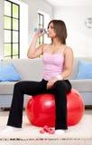 Mulher sedento da aptidão Imagem de Stock