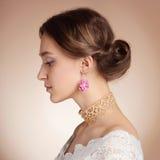 Mulher sensual no vestido da noiva Imagem de Stock Royalty Free