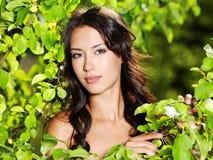 Mulher 'sexy' bonita ao ar livre Imagem de Stock Royalty Free