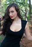 Mulher 'sexy' bonita na natureza imagem de stock royalty free