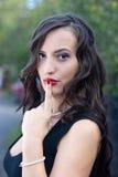 Mulher 'sexy' bonita na natureza foto de stock royalty free