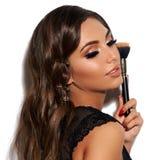 Mulher 'sexy' com escova da composição imagens de stock