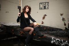 Mulher 'sexy' com injetor Imagens de Stock Royalty Free