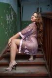 Mulher 'sexy' na casa velha Imagem de Stock Royalty Free