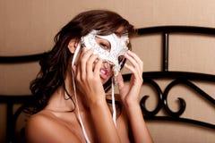 Mulher 'sexy' na máscara do carnaval imagens de stock