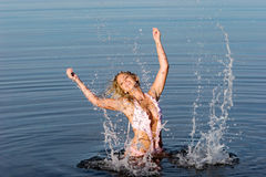 Mulher 'sexy' no swimsuit Fotografia de Stock