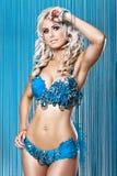 Mulher 'sexy' nova no biquini azul do diamnod Fotografia de Stock