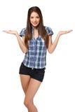 Mulher 'sexy' que mostra algo em sua palma Fotografia de Stock