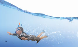 Mulher sob a água Meios mistos imagem de stock