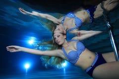 Mulher subaquática Fotos de Stock
