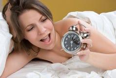 Mulher surpreendida do pulso de disparo foto de stock royalty free