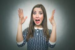 Mulher surpreendida em choque vencedor imagens de stock royalty free