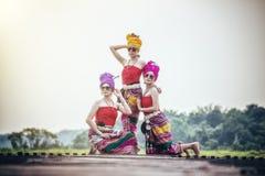 Mulher tailandesa no estilo tailandês da cultura do traje tradicional, Tailândia Foto de Stock