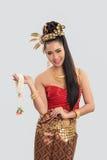 Mulher tailandesa no traje tradicional de Tailândia Foto de Stock