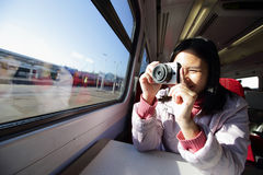 A mulher toma a imagem Imagens de Stock Royalty Free