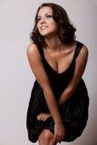 Mulher triguenha nova com os olhos fumarentos da composição Fotos de Stock Royalty Free