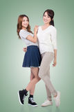 Mulheres asiáticas alegres fotografia de stock royalty free