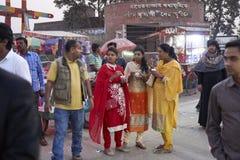 Mulheres bengalis nas ruas de Dhaka imagem de stock