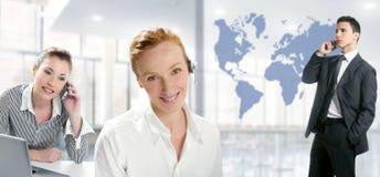 Mulheres bonitas do escritório moderno, homem de negócios Imagens de Stock