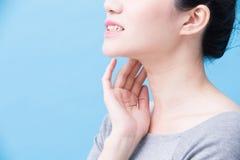 Mulheres com problema da glândula de tiroide fotografia de stock