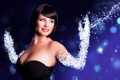 Mulheres de cabelo pretas de sorriso com os braços que dissolvem-se ou construção fora dos dados Imagem de Stock