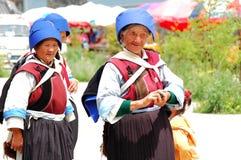 Mulheres de Naxi em Lijiang imagem de stock