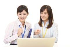 Mulheres de negócio asiáticas de trabalho fotos de stock royalty free