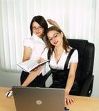 Mulheres de negócio de Beautifull no trabalho imagem de stock