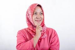 Mulheres de neg?cio mu?ulmanas asi?ticas que vestem o hijab imagens de stock