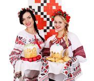 Mulheres do ucraniano de Twobeautiful fotografia de stock royalty free