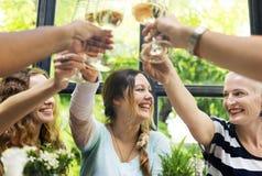 Mulheres em um partido de jantar fotografia de stock