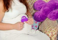 Mulheres gravidas Maternidade maravilhosa do tempo Fotografia de Stock Royalty Free
