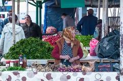 Mulheres idosas que vendem vegetais Fotos de Stock Royalty Free