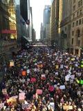 Mulheres março de New York City imagem de stock royalty free