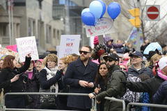 Mulheres março em Toronto fotografia de stock