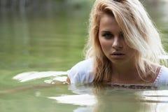 Mulheres na água Imagens de Stock Royalty Free