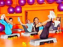 Mulheres na classe de ginástica aeróbica. Imagem de Stock Royalty Free