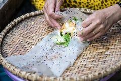 Mulheres no mercado de peixes de SaiGon em Vietname Imagens de Stock Royalty Free