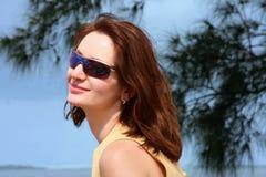Mulheres nos óculos de sol foto de stock royalty free