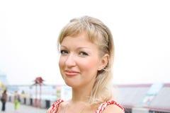 Mulheres novas da beleza ao ar livre Fotos de Stock Royalty Free