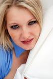 Mulheres novas louras com freckles Foto de Stock Royalty Free