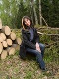 Mulheres novas na madeira do verão fotografia de stock royalty free