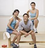 Mulheres novas no clube de saúde Fotografia de Stock