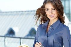 Mulheres ou estudante feliz novo Fotos de Stock Royalty Free