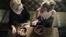 Mulheres que comem no café filme