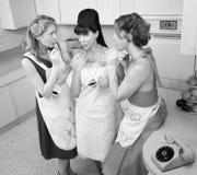 Mulheres que fumam o cigarro Imagens de Stock
