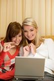 Mulheres que têm o divertimento foto de stock royalty free