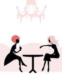 Mulheres que têm a ruptura de chá no café Ilustração Stock